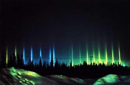 http://slipkornt.cowblog.fr/images/aurorapillarspowerlines.jpg